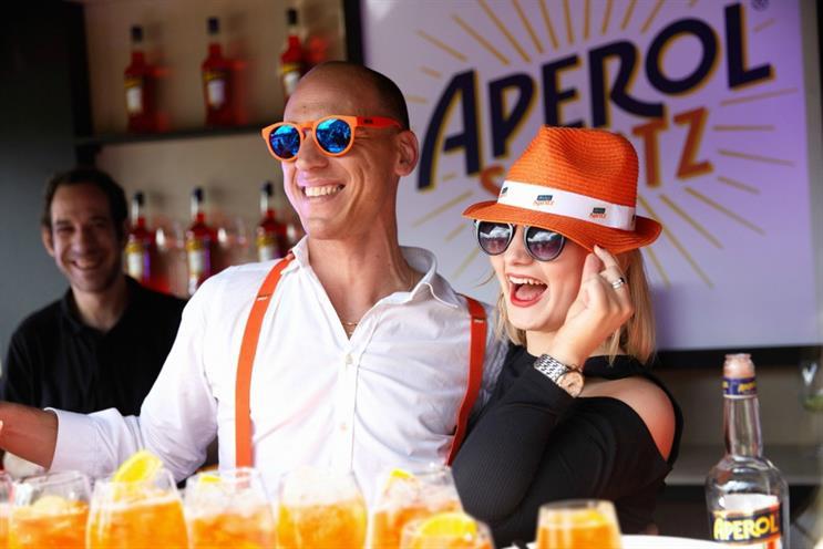 Aperol: hosting Spritz socials
