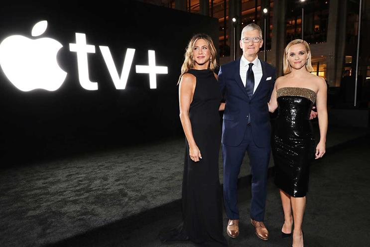 Apple TV+: Aniston and Witherspoon with Apple CEO Tim Cook at launch event