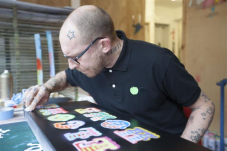 Ben Eine: creating personalised messages for Heathrow passengers
