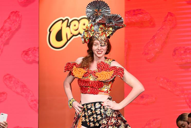 Cheetos: catwalk show