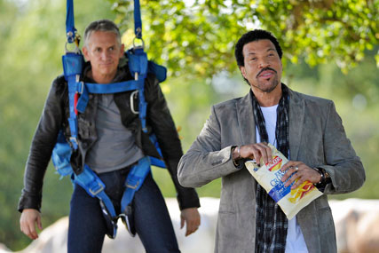 Walkers: Lionel Richie stars alongside Lineker in last year's crisp campaign