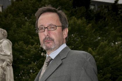 Steve Davies, APA