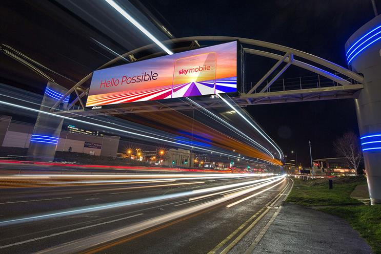 DOOH: 11,024 screens in UK in June