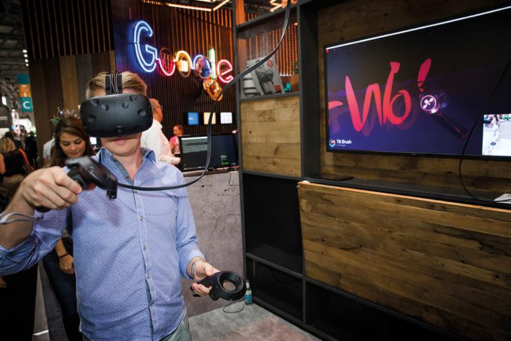 Playing Google Tilt Brush through an HTC Vive VR headset