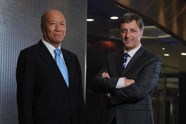 Dentsu president and CEO Tadashi Ishii and Aegis chief executive Jerry Buhlmann