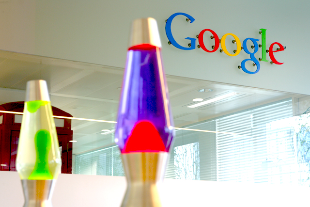Google: joins the bid for domian names