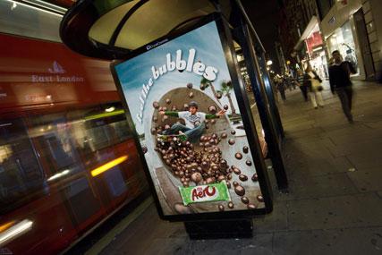 Posterscope's lenticular Aero campaign