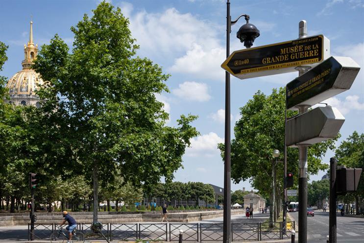 'Par ici le Grand Paris': encourages people to visit less-known spots