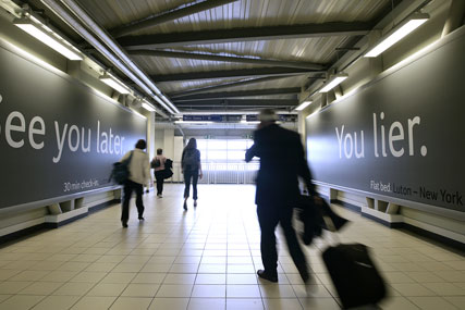 Luton Airport: renews JCDecaux contract