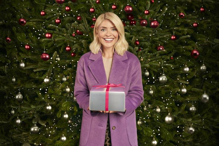 M&S Christmas: 2018 clothing ad starred Holly Willoughby