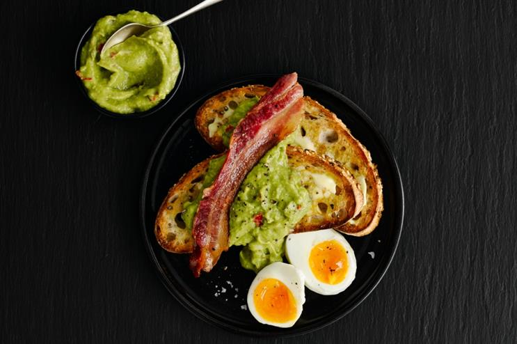 Ibis celebrates launch of 24 hour Piccadilly line with free breakfasts
