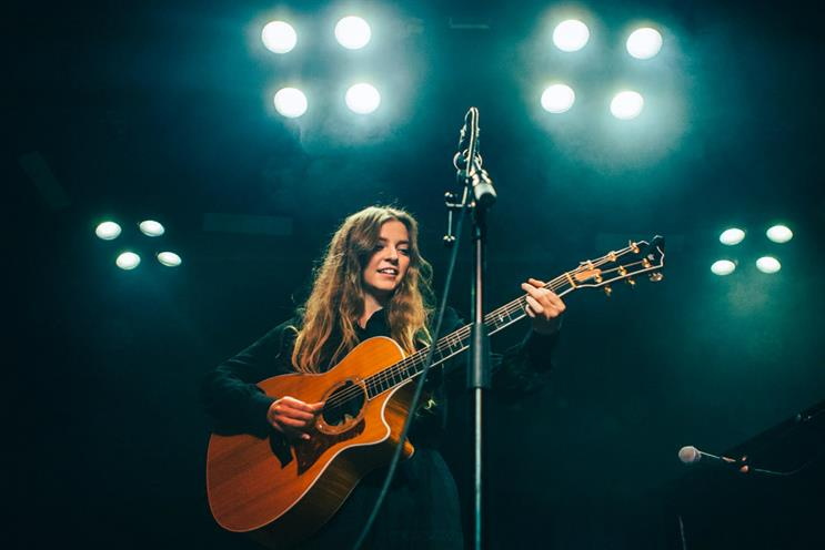 Jade Bird will perform at Tower Bridge