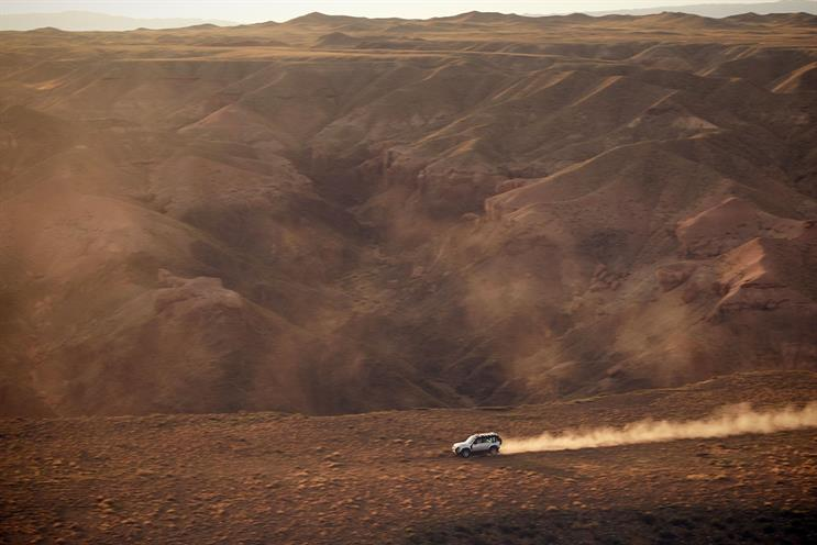 Land Rover: Defender featured in launch film
