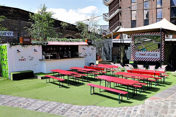 Pimm's: English garden with tennis screenings