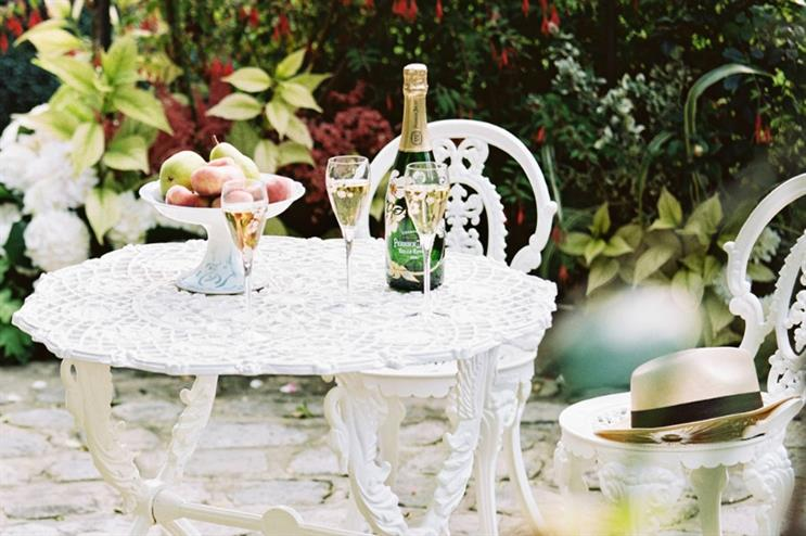 Perrier-Jouët : immersive tea at National Champagne Week