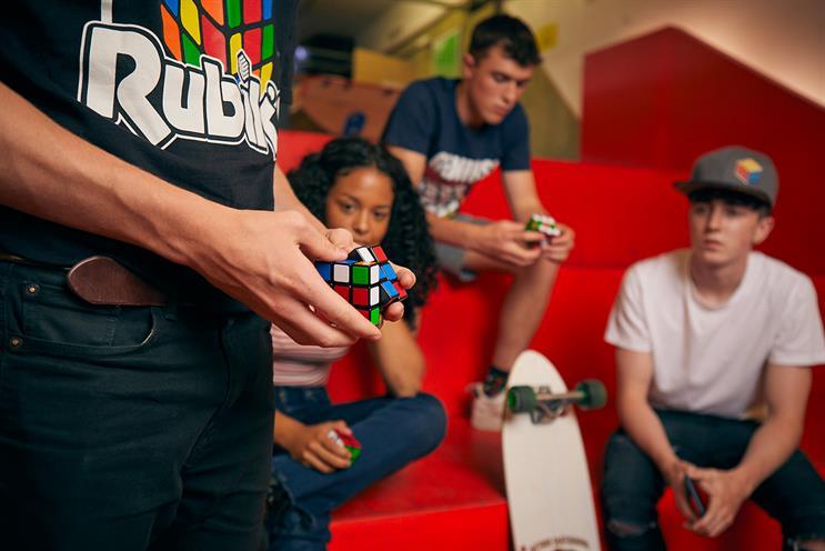 Rubik's Cube: world-record attempt