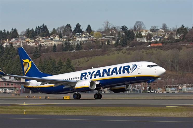 Ryanair: hands European account to Dare