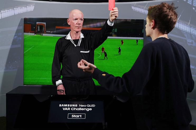 Samsung: former Fifa referee Dermot Gallagher launched the experience