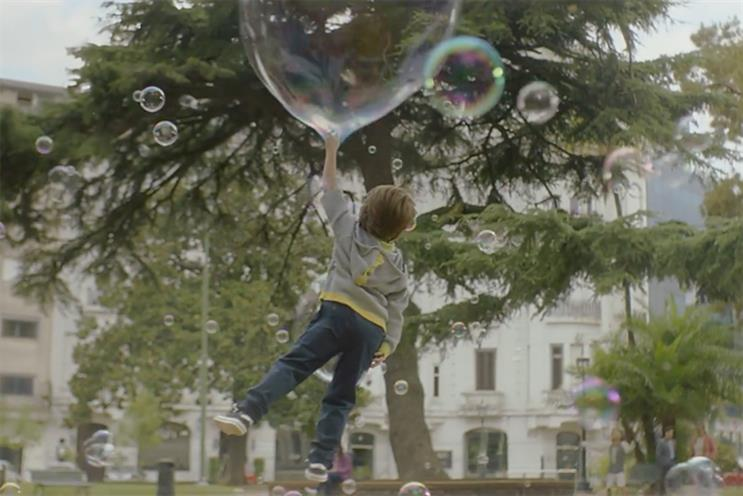Sky Mobile: ad created by WCRS