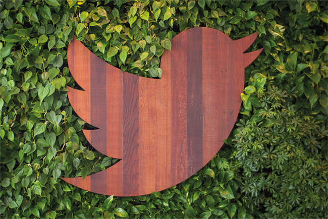 Twitter tests Promoted Tweet carousel format
