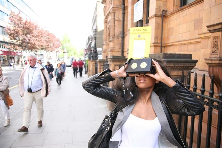 Amnesty: uses virtual reality headsets for London fundraiser
