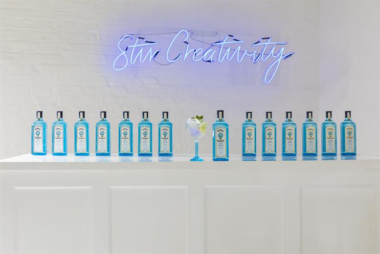 Bombay Sapphire creates live art experience to celebrate creativity in cocktail-making