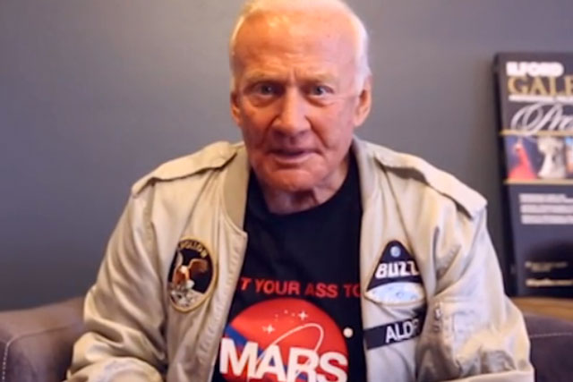 Buzz Aldrin: astronaut stars in General Electric Vine