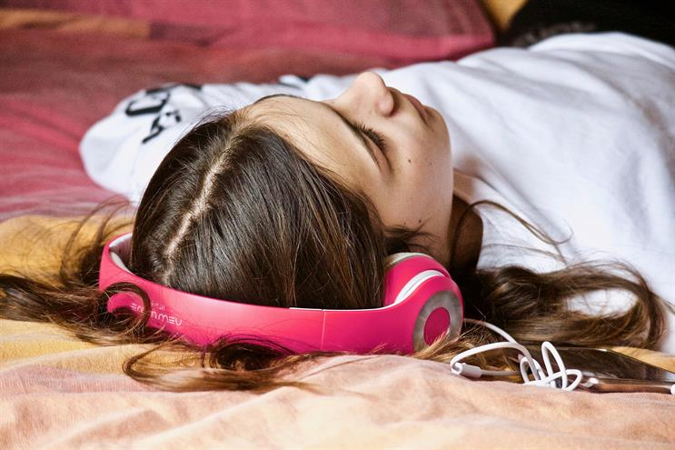 Music streaming: fans spent £1bn on subscription services in 2019