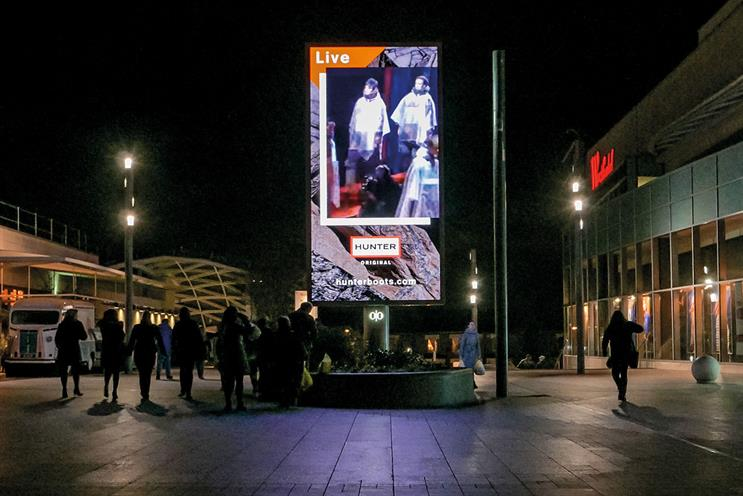 Route: outdoor measurement body analysed time and advertiser money spent on media channels