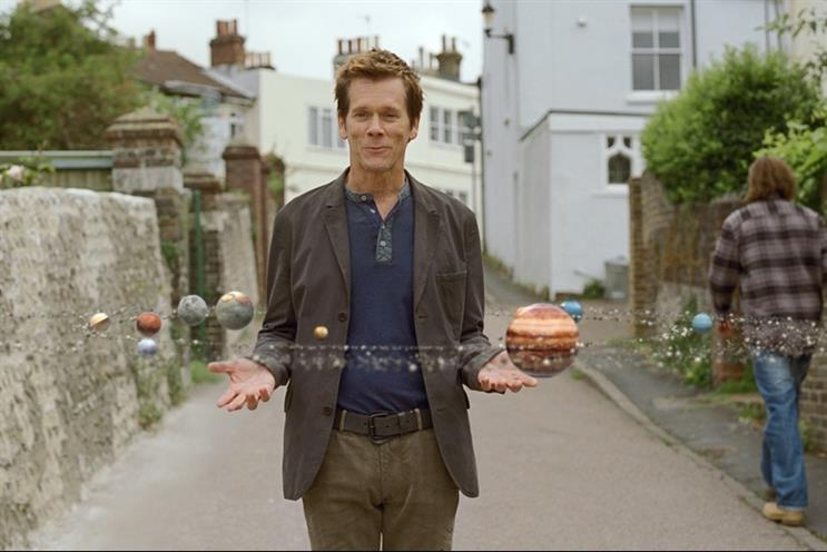 EE's 4G campaign featuring Kevin Bacon