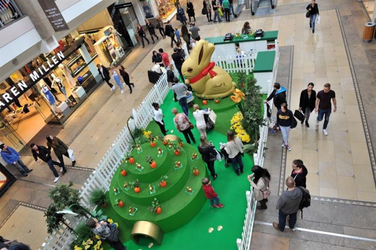 The golden Lindt bunny returns to Bluewater shopping centre