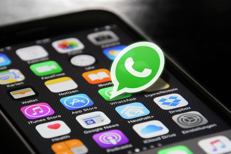 WhatsApp: features end-to-end messaging encryption