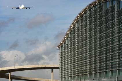Heathrow: Strikes would cause 'total shutdown'