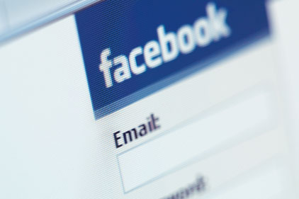 Popularity contest: Facebook and Twitter
