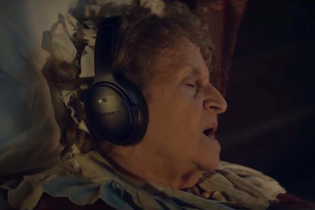 Currys PC World brings cutting-edge tech to Victorian England in Christmas campaign