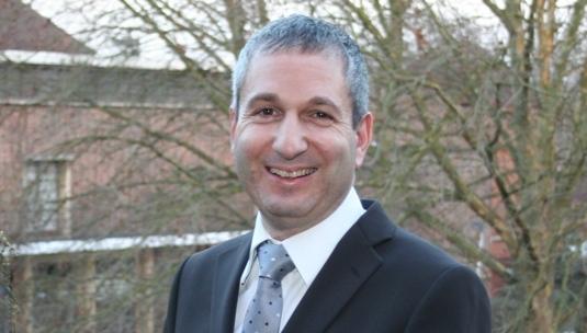 Parlez-vous public sector comms? asks David Holdstock