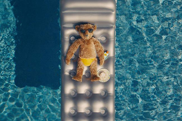 Heathrow bears depart Florida for the UK in Christmas campaign