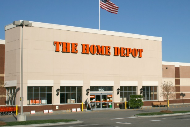 Home Depot doubles down on customer outreach after data theft