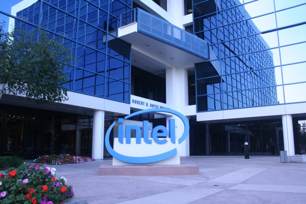 Intel names Anderson global comms leader