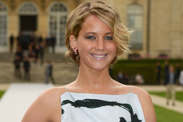 PARIS, FRANCE - JULY 07: Jennifer Lawrence arrives at Christian Dior show as part of Paris Fashion Week - Haute Couture Fall/Winter 2014-2015 on July 7, 2014 in Paris, France. (Photo by Dominique Charriau/WireImage)