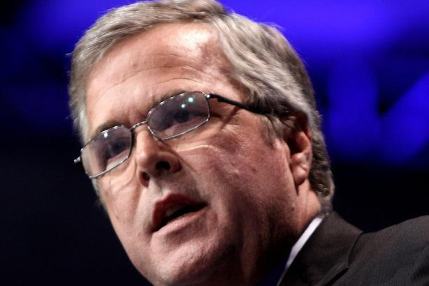 Jeb Bush takes first step towards the White House - on Facebook and Twitter