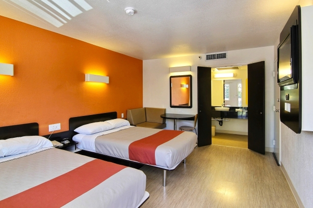 Motel 6 takes consumers on room to room tour of nationwide revamp