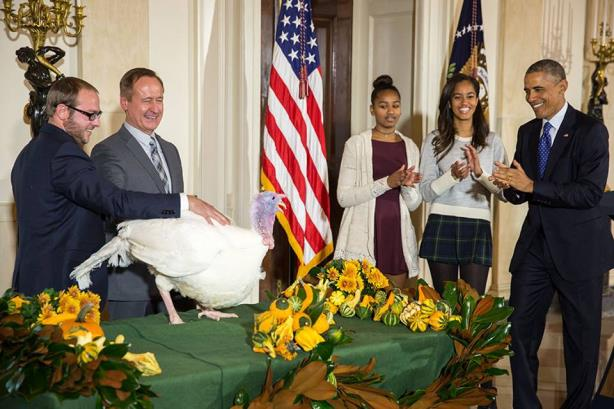 """The first daughters at last week's annual """"turkey pardoning"""" ceremony"""