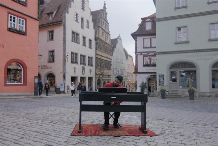 OnePlus tours Europe with digital piano made from smartphones