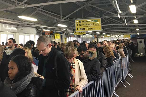 Queues at Clapham Junction, which had to be evacuated (©andystock22 via Twitter)