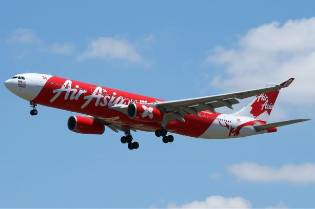 AirAsia CEO stays positive on Twitter amid Flight 8501 search