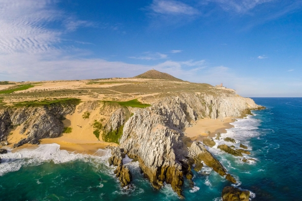 Returning Los Cabos from a place where bodies are 'hung over bridges' to a beachside paradise