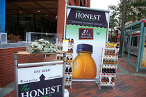 Honest Tea sets up shop to drive brand message with consumers