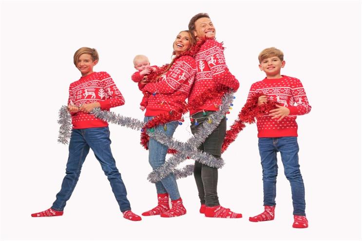 Watch: Card Factory offers families 'celebrity inspired' Christmas card photoshoot