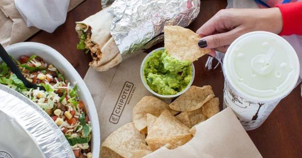 Chipotle enlists food-safety experts as E. coli crisis response continues